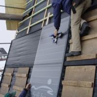 Das ZDF-Team filmt das Haus von außen...