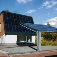 22.10.2014: Das ENERGETIKhaus100® autark in Rabenstein ist vollendet und steht allen Interessierten als Musterhaus für Besichtigungen zur Verfügung.