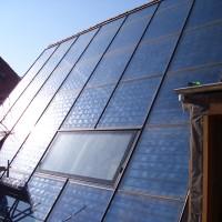 21. März 2011: Die Solaranlage füllt den Speicher bei anhaltendem Sonnenschein stetig.
