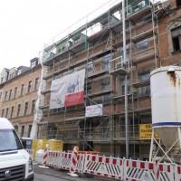 16.04.2014: Nicht nur im denkmalgeschützten Altbau wird gearbeitet. Auch die Fassaden werden in Angriff genommen.