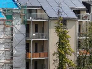 ENERGETIKhaus100® historio II - Solararchitektur und Solarthermie. Rückseite mit großen Kollektorflächen
