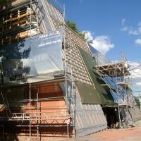 06. September 2010: Über die Hälfte der Kollektorfläche ist bereits montiert und in Betrieb.
