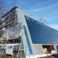 26. November 2010: Die Solaranlage hat den 110 m³-Wärmespeicher nach vollständiger Inbetriebnahme erst Ende September fast vollständig mit Sonnenwärmeenergie gefüllt. Damit steht mehr Energie zur Verfügung als geplant.