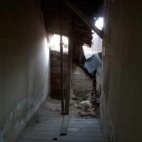 02.07.2014: Das Gebäude ist teilweise stark gefährdet. Bevor an eine Sanierung zu denken ist, müssen umfangreiche Sicherungsarbeiten durchgeführt werden. Es gibt viel zu tun …