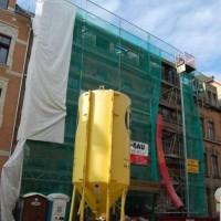 04.09.2015 An der Fassade wird ebenfalls fleißig gearbeitet