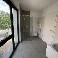 2021-06-15 Bad mit Dusche und Wanne